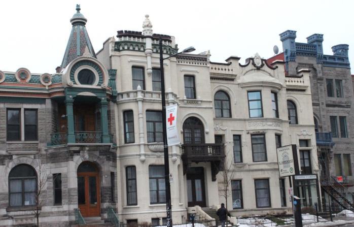 Rue Sherbrooke / Sherbrooke Street