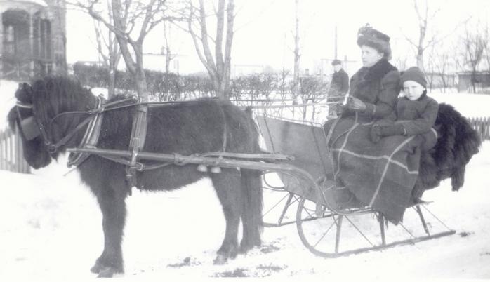 Rue Victoria en hiver, v.1910 / Victoria Street in winter, c.1910