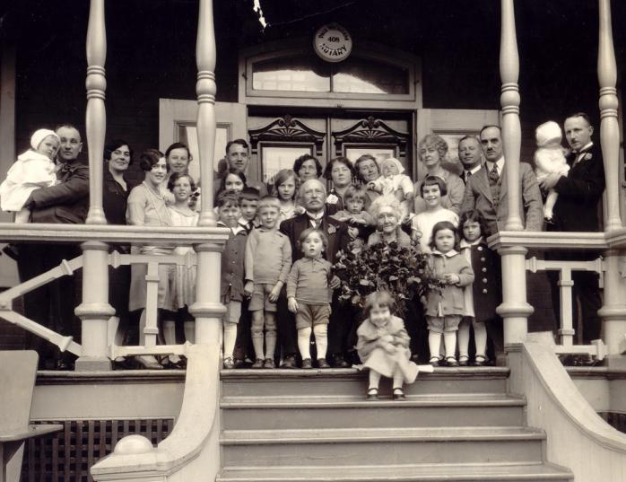 La famille de Patrick Martin Wickham v.1930 / Patrick Martin Wickham and his family, c.1930